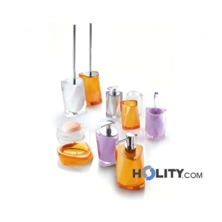 set-accessori-bagno-in-resina-h107131