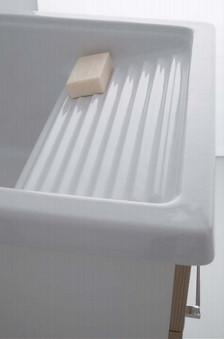 Lavatoio In Ceramica Per Lavanderia.Cerchi Lavatoio Corallo Con Vasca In Ceramica H21014