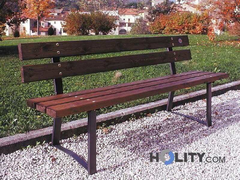 Panchina per spazi pubblici in legno h28506 for Arredo urbano in legno