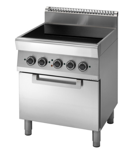 Cucina Professionale Con Piano Cottura In Vetroceramica E