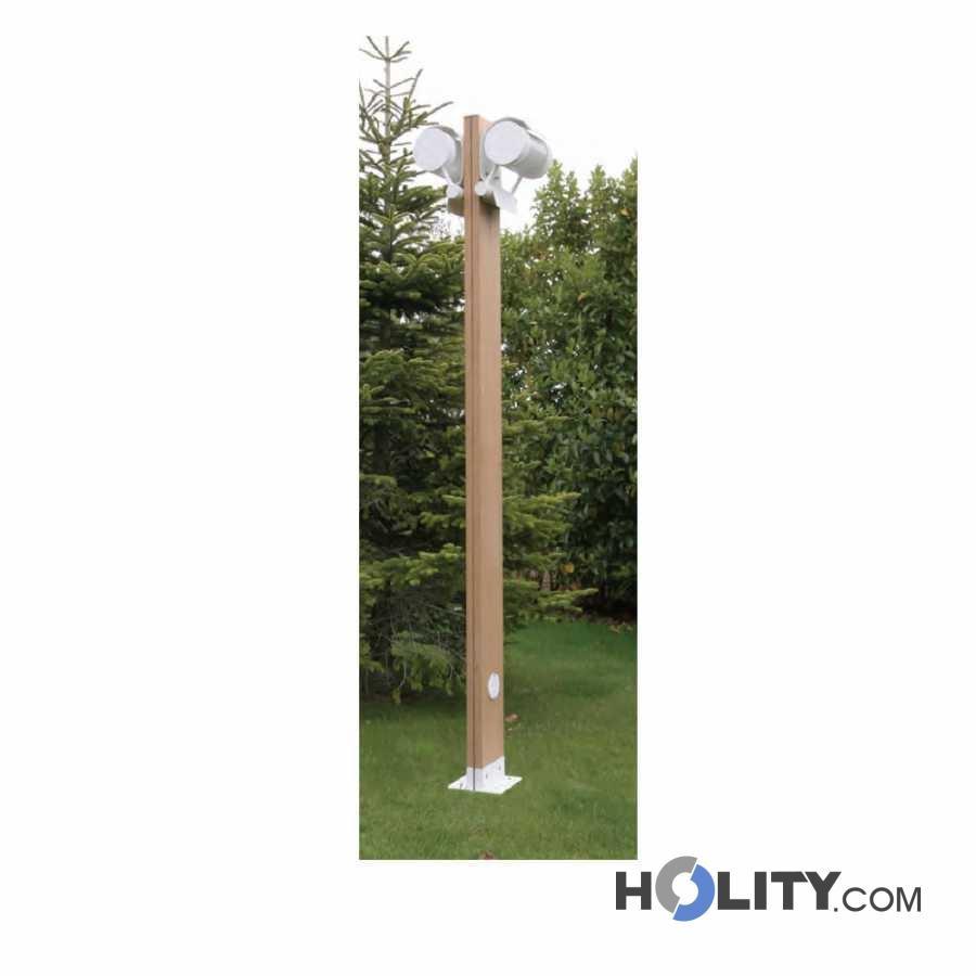 Paravento In Legno Per Esterni lampione per esterni con struttura in legno e due lampade h16881